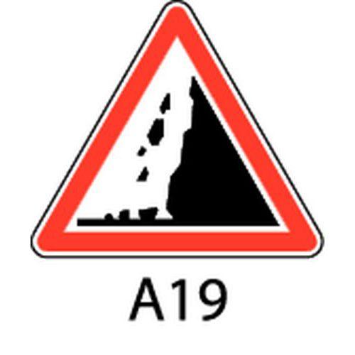 Panneau de signalisation de danger a19 risque de chute de pi - Panneau de signalisation original ...