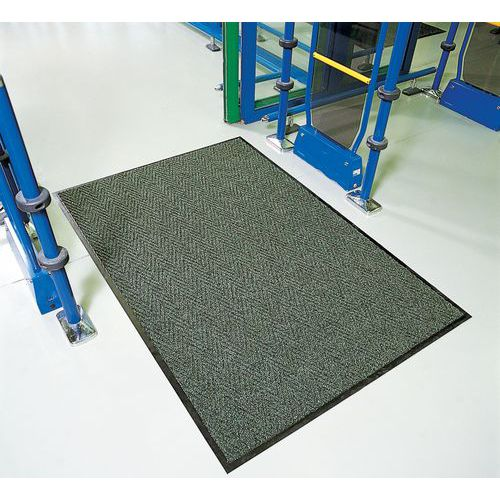 tapis d 39 entr e polypropyl ne chevrons longueur 300 600 cm. Black Bedroom Furniture Sets. Home Design Ideas