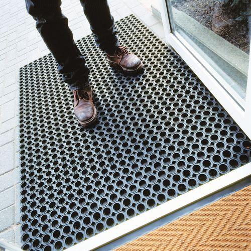 Tapis caillebotis sans bordures oct o mat en tapis for Tapis paillasson exterieur